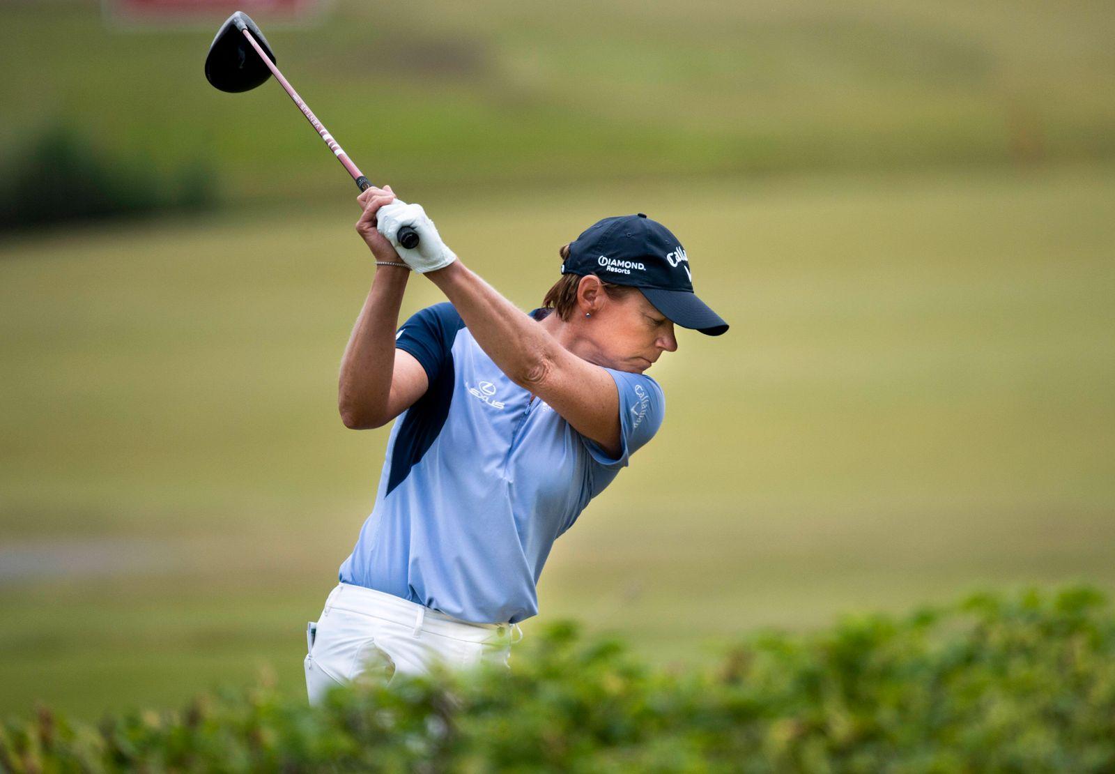 Annika Sorenstam ( Annika S?renstam) against Henrik Stenson during the first round of the Scandinavian mixed golf compet