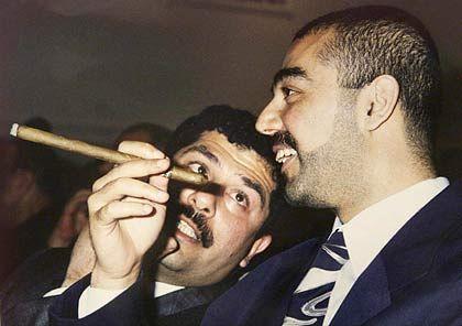 Sportinteressiert: Udai Hussein (r.), hier mit Bruder Kussei