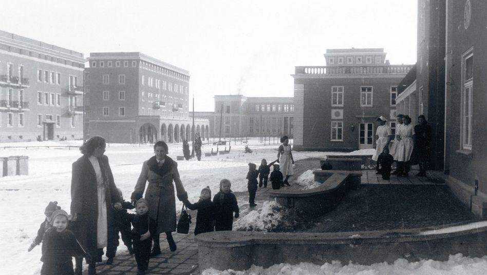 Im Zentrum von Stalinstadt, Aufnahme aus Pabels Fotoreportage von 1955