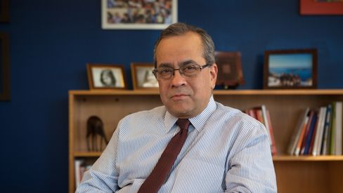 """World Bank expert Jaime Saavedra: """"Children need to go back to learning as soon as possible, despite all the other concerns."""""""