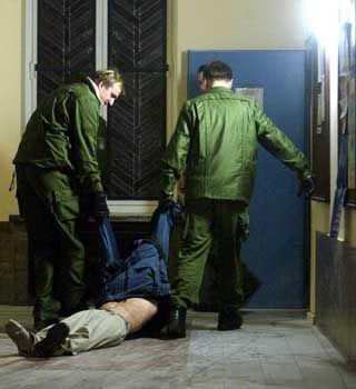 Am 28. November räumte die Polizei das Büro von Finanzsenator Sarrazin