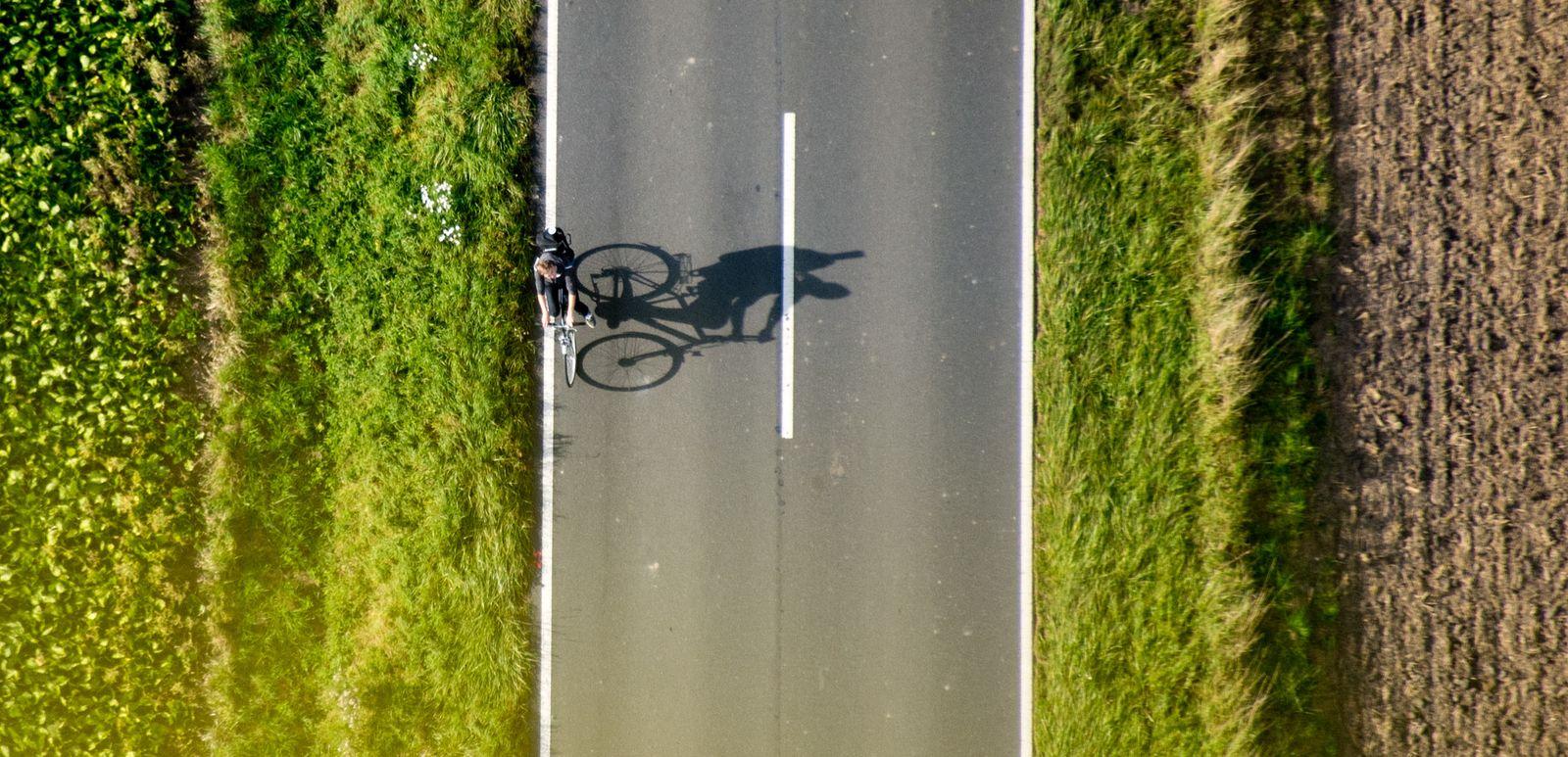 Fahrradfahren - Niedersachsen aus der Luft