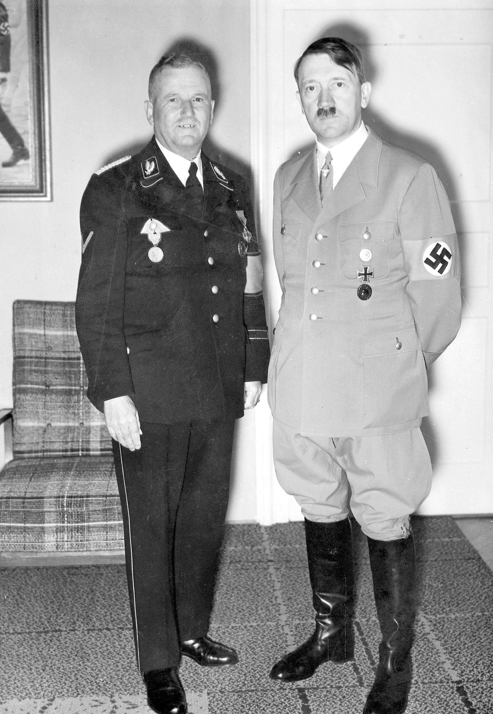 Ulrich Graf mit Adolf Hitler