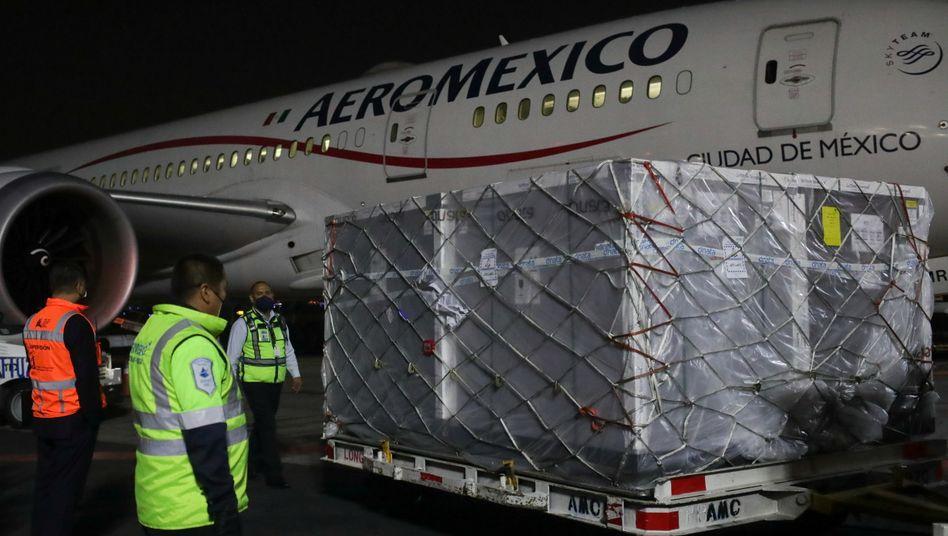AstraZeneca-Lieferung an Mexiko im April: In Mexiko könnte es mit der Produktion noch bis Ende Juni dauern