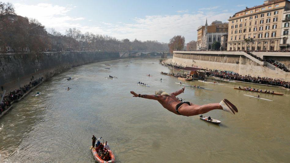 Tiber in Rom: Ein Sprung in die Fluten ist derzeit nicht empfehlenswert
