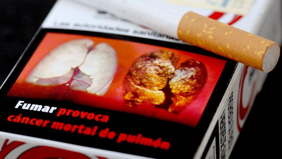Zigarettenpackung mit Schockfoto