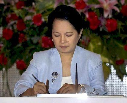 Präsidentin Gloria Arroyo: Ende der Todesstrafe auf den Philippinen