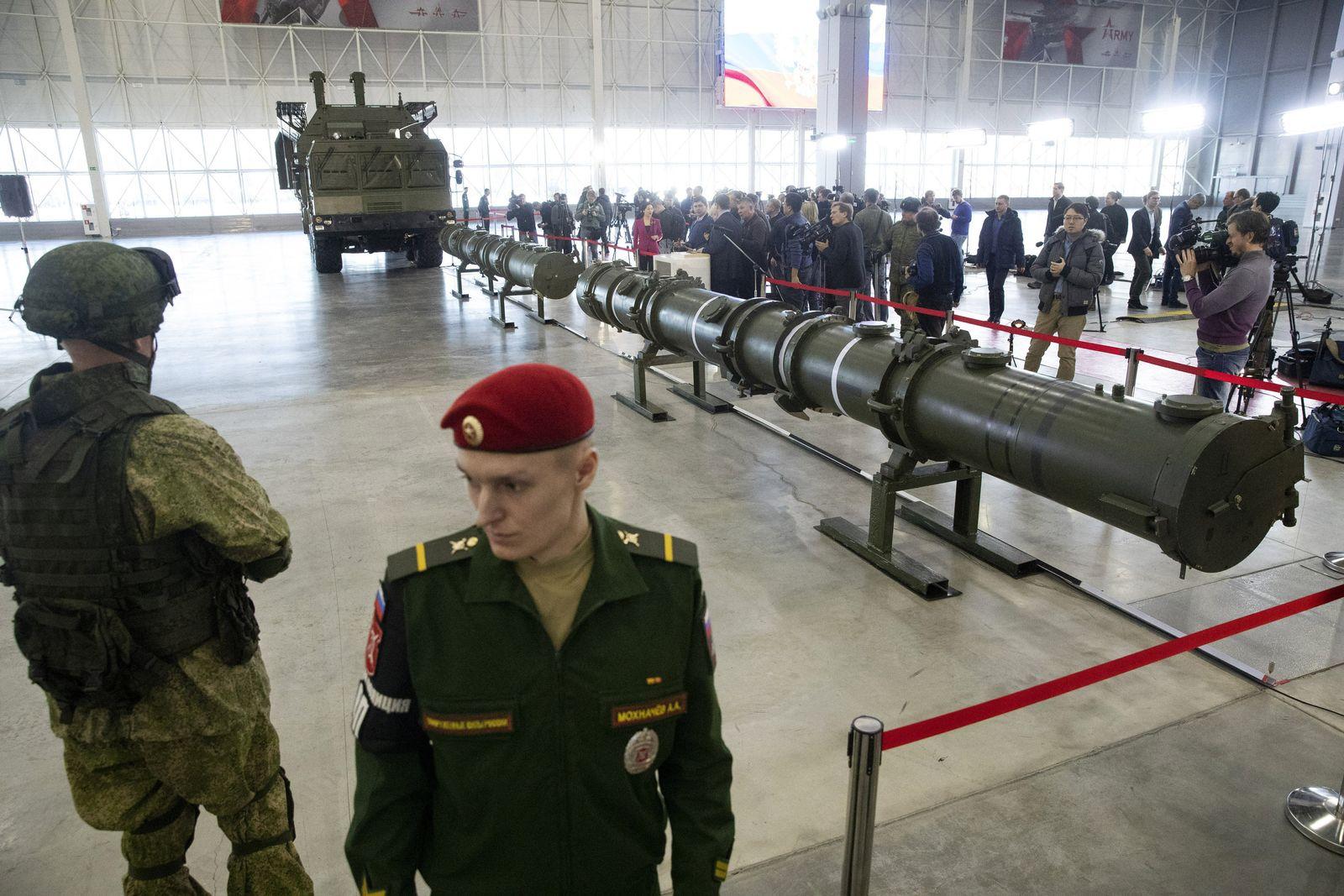 Russland Rakete 9M729