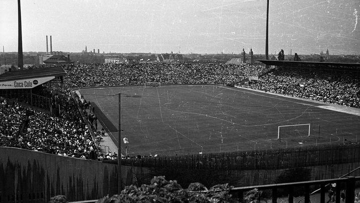 Fußball-Premiere: Erstes Stadtderby der Bundesliga