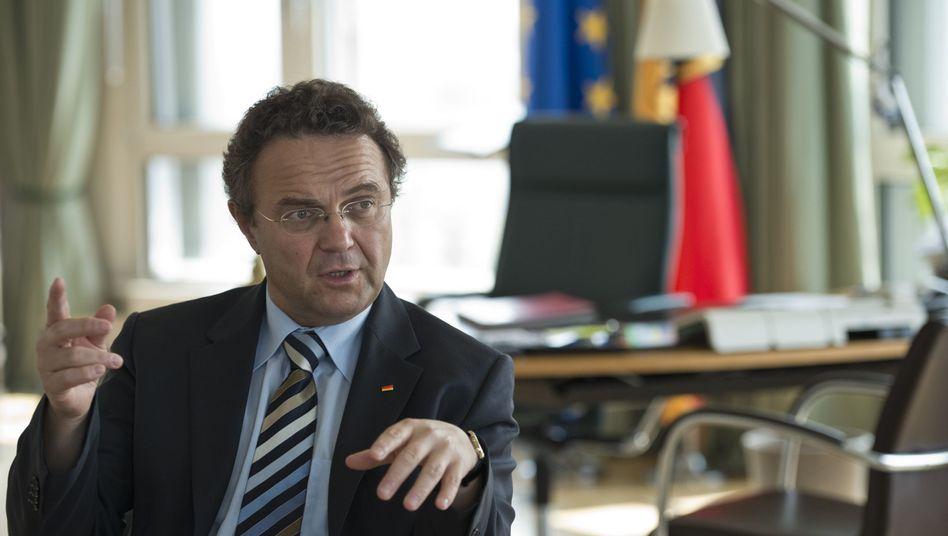 Bundesinnenminister Hans-Peter Friedrich: Neues Konzept für den Verfassungsschutz
