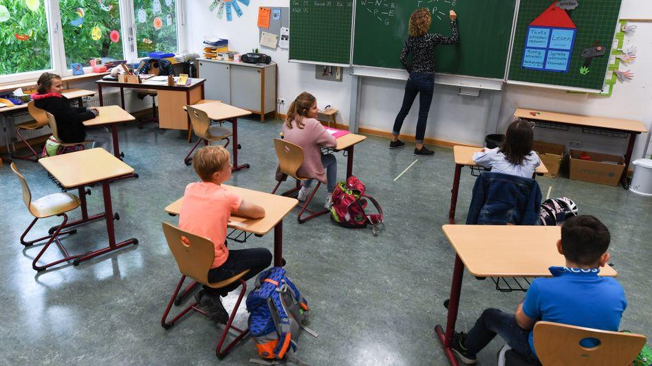 Grundschüler in Wiesbaden (im Juni): Vielerorts blieb es bei eher symbolischen Akten
