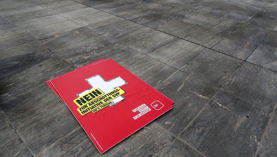 Plakat gegen die SVP-Initiative: Verbindungen zur EU gekappt?