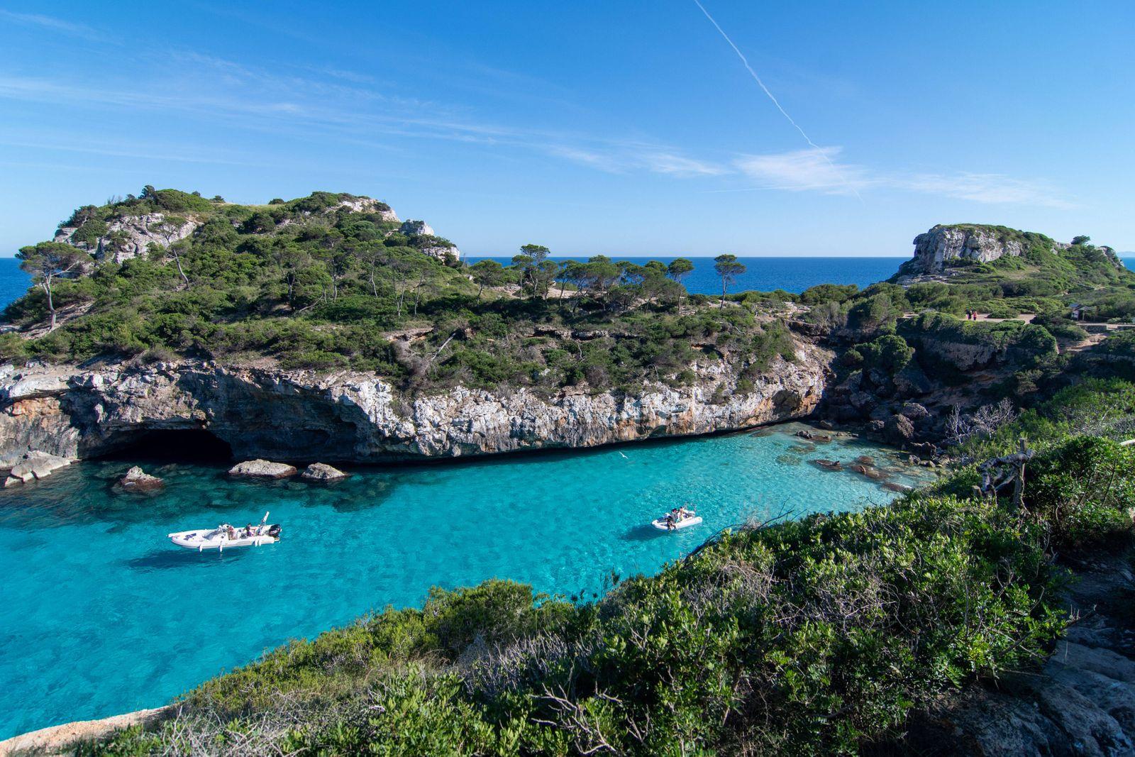 20200523 Mallorca during Corona Lock down PALMA DE MALLORCA, SPAIN - MAY 23 2020 : Caló del Moro at - Mallorca during Co