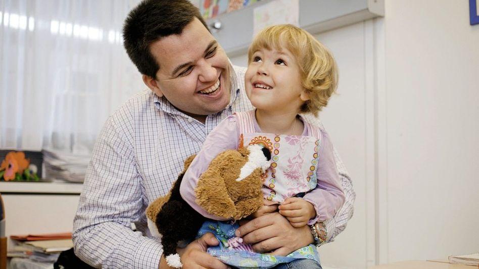 Vater Svoboda mit Tochter: »Sie war so unglaublich zerbrechlich«