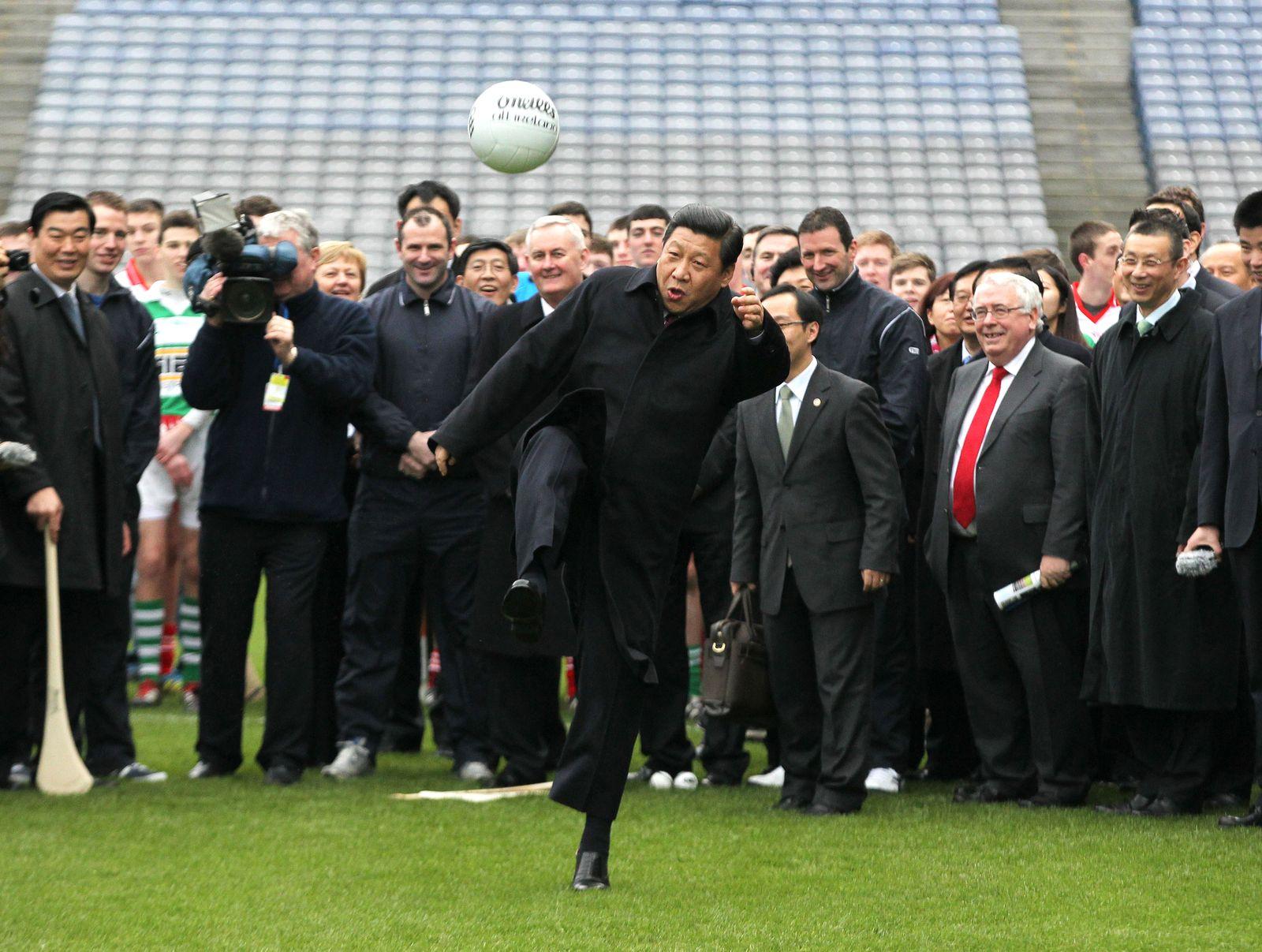 Xi Jinping/ Fussball