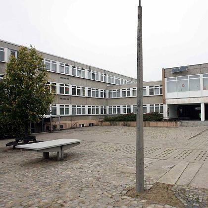 """Schulhof der Sekundarschule Parey: """"Den Unterricht geändert"""""""