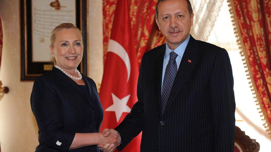 Außenministerin Clinton und Regierungschef Erdogan: gemeinsame Pläne
