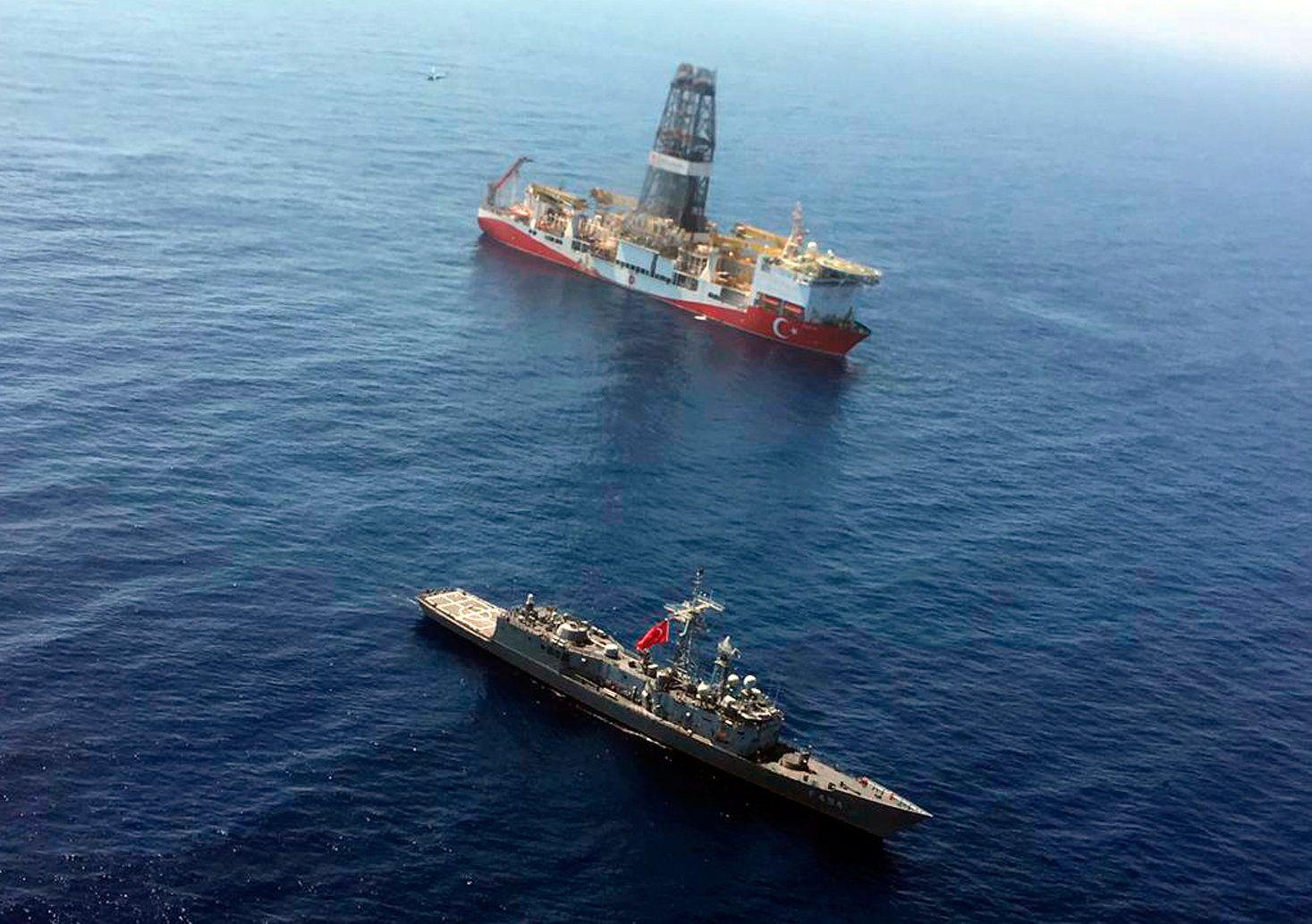 """Erdgas-Streit im Mittelmeer - türkisches Bohrschiff """"Fatih"""""""