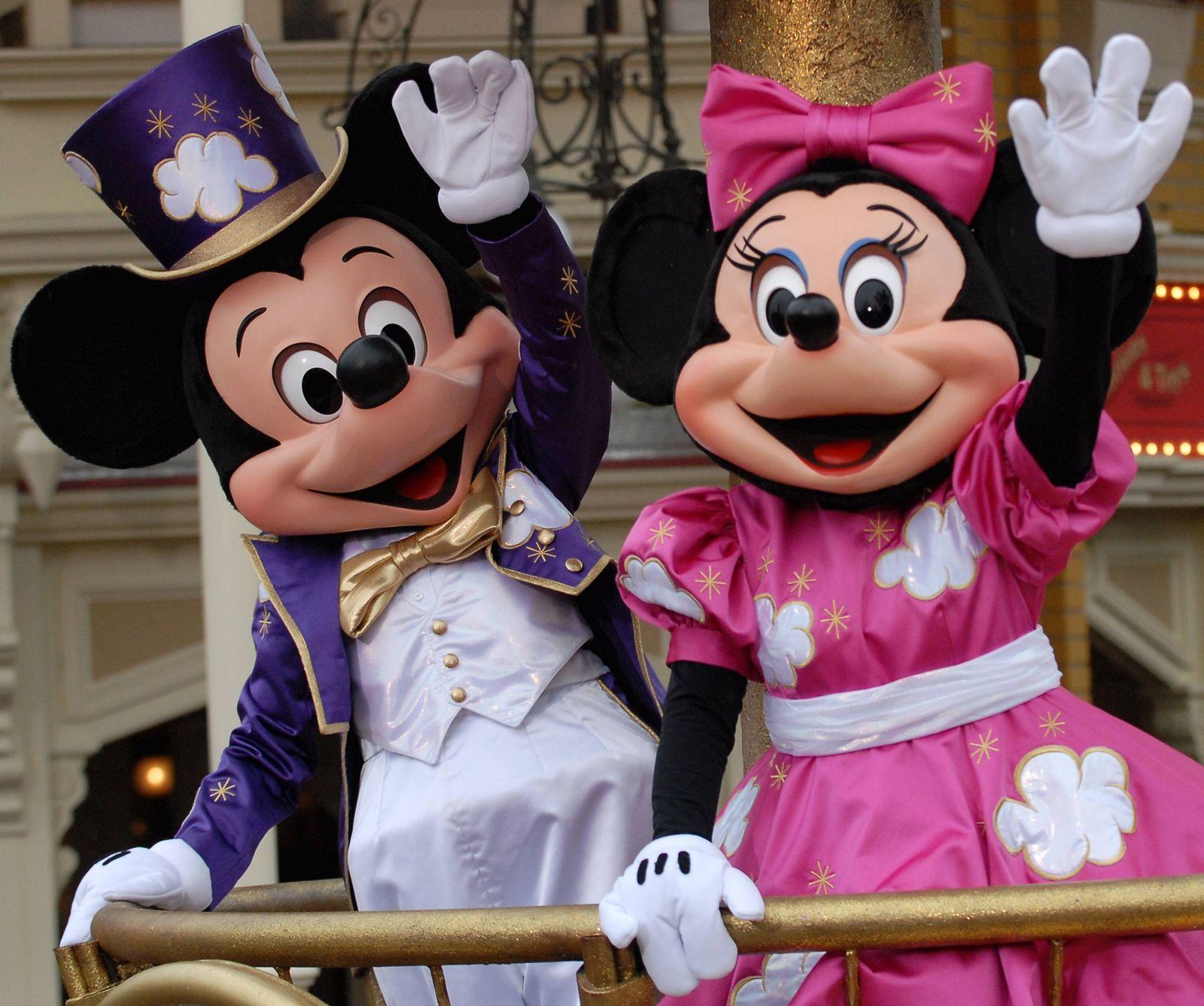 NICHT VERWENDEN Bart_Disneyland