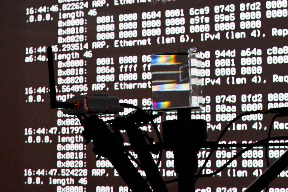EINMALIGE VERWENDUNG Hacker / Netzwelt