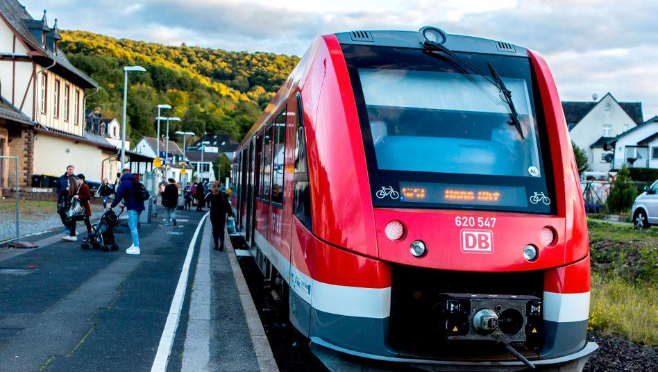 Die Deutsche Bahn will im Regionalverkehr Wasserstoff als Dieselersatz testen (Symbolbild)