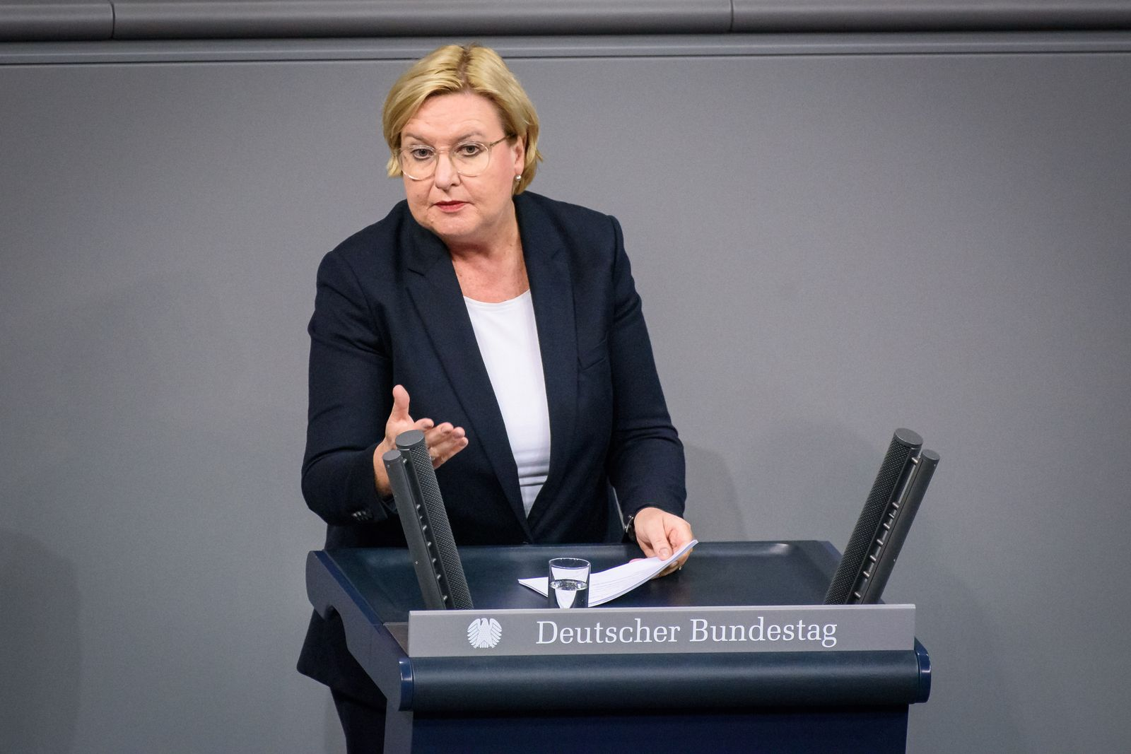 Sitzung des deutschen Bundestags Deutschland, Berlin - 14.11.2019: Im Bild ist Eva Högl (spd) während der Sitzung des de