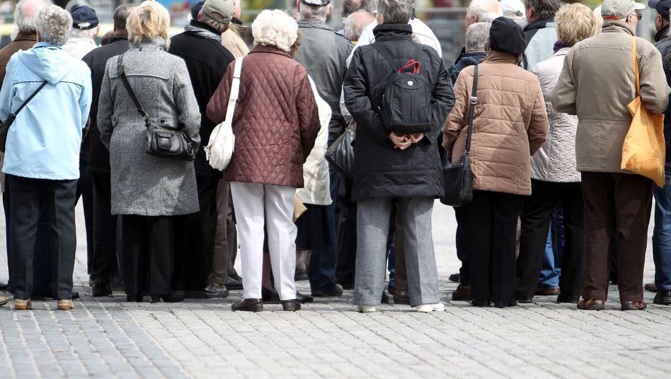Senioren in Leipzig: Von der Leyen warnt vor Altersarmut