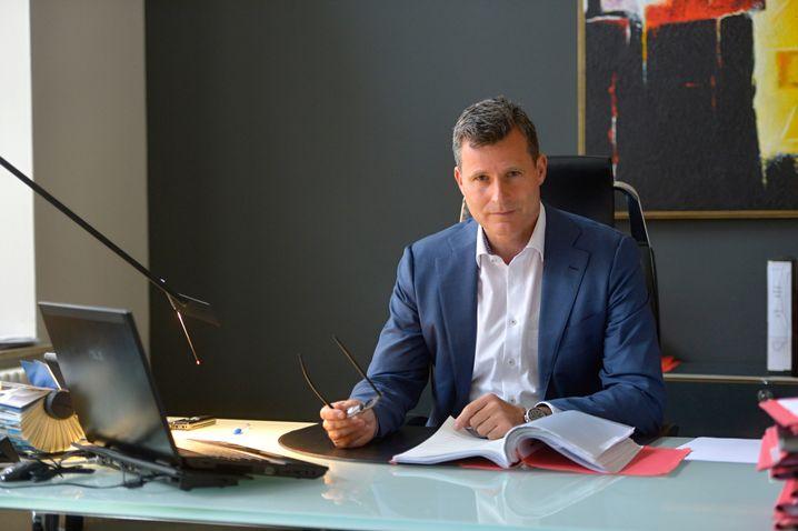 Detlev Binder, Strafverteidiger aus Bielefeld