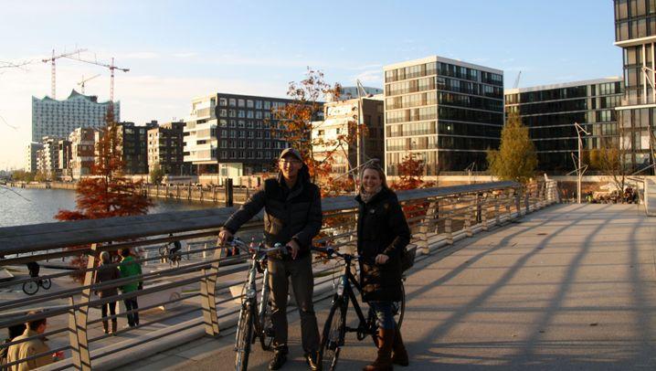 Recherche und Sightseeing in Hamburg: Mit dem Rad ans Wasser