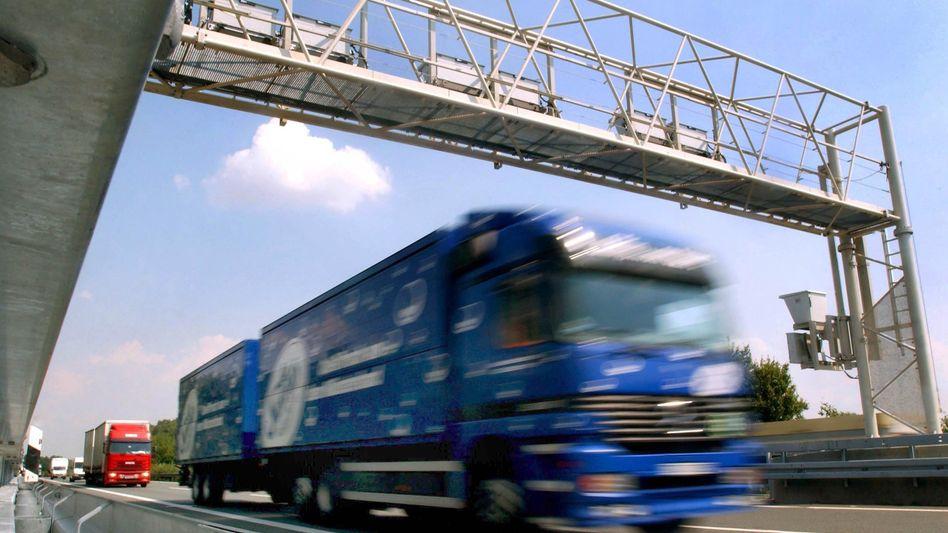 Lastwagen auf einer Autobahn