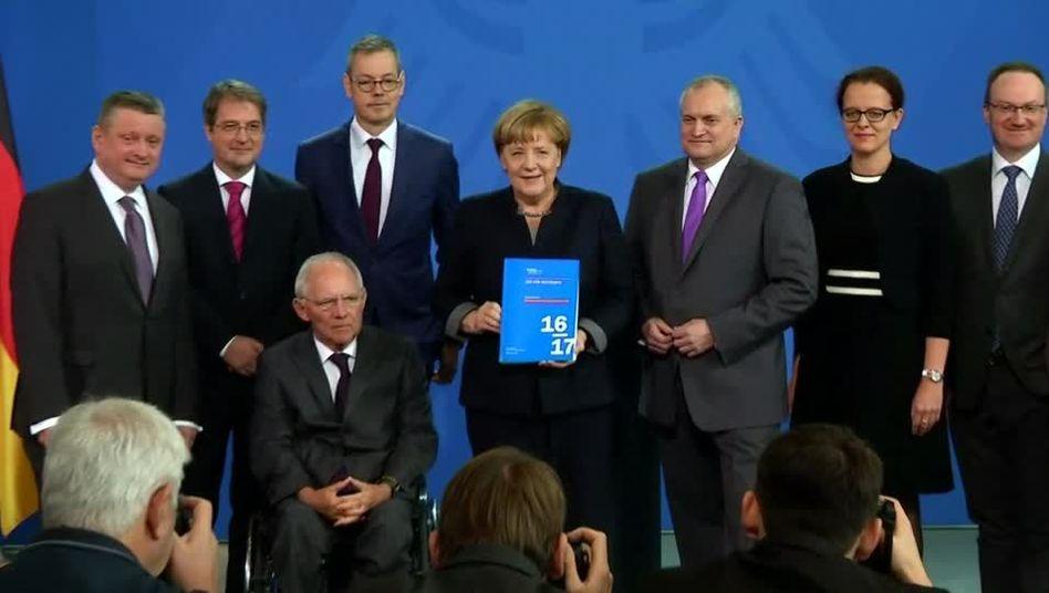 Wirtschaftsweise mit Bundeskanzlerin Merkel (2016)