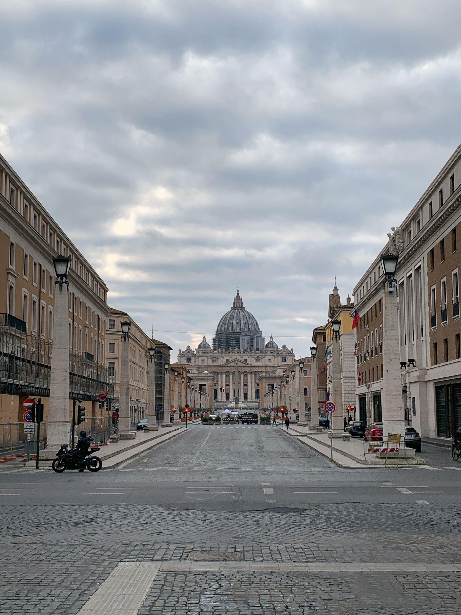 leere Straßen in Rom/ Corona