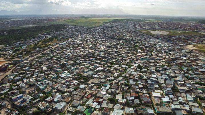 Blick auf Khayelitsha: vernachlässigte Elendsquartiere