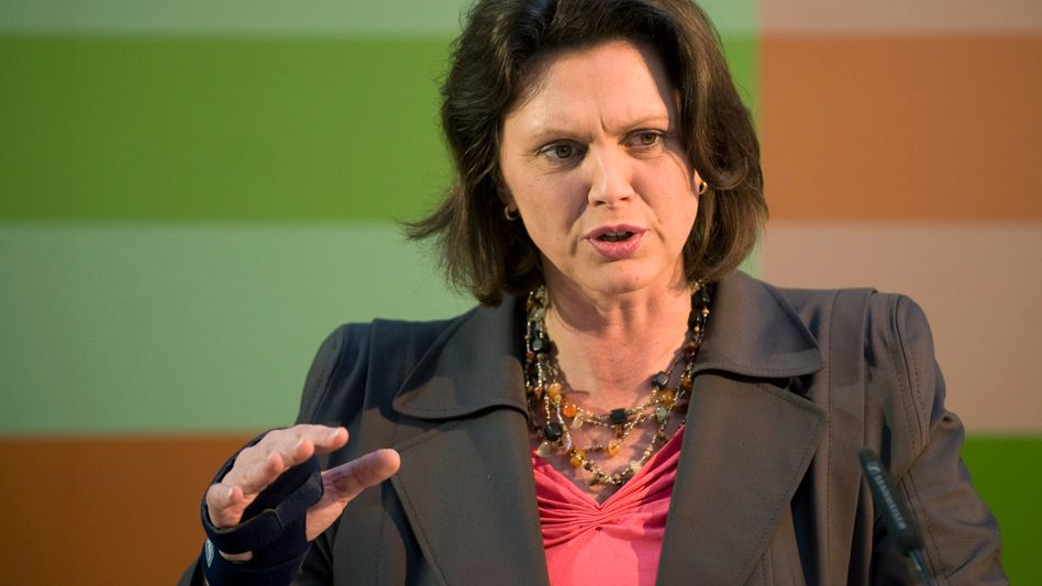 """German Consumer Protection Minister Ilse Aigner: """"Private information must remain private."""""""