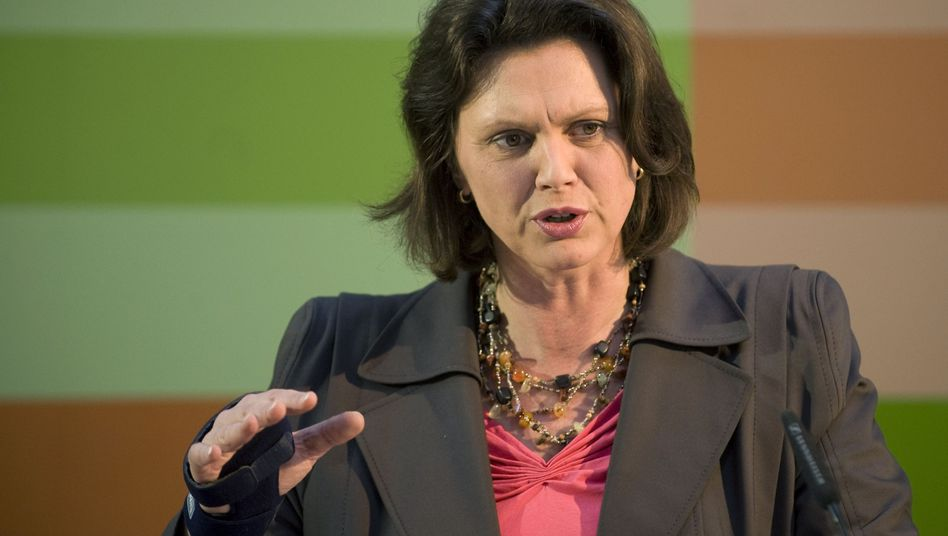 "German Consumer Protection Minister Ilse Aigner: ""Private information must remain private."""