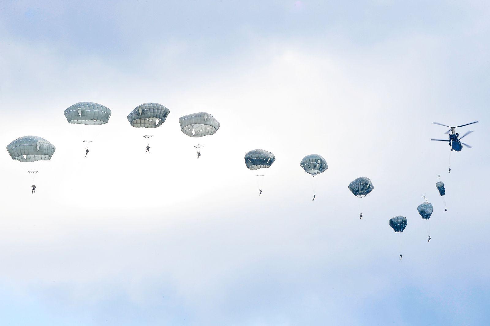 USA Soldaten Fallschirm