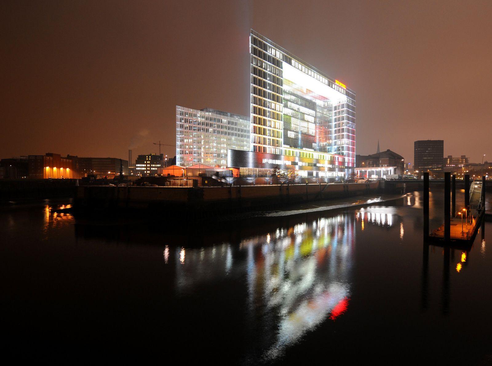 Spiegel / Gebäude
