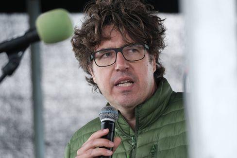 Grünenpolitiker Kellner bei Protest im Dannenröder Forst