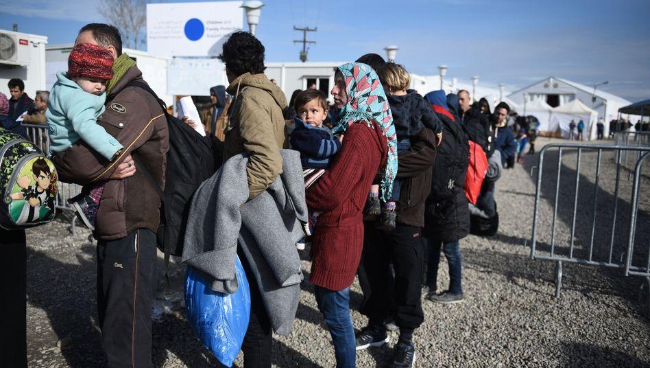 """Flüchtlinge an der mazedonischen Grenze: """"Nicht im Einklang mit EU-Vereinbarungen"""""""