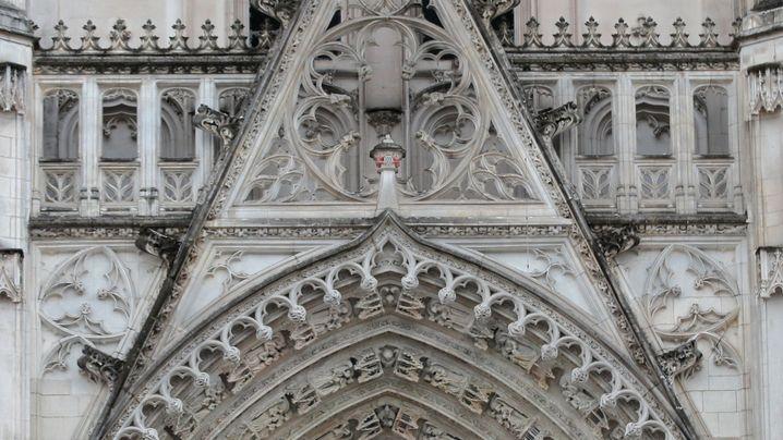 Kathedrale von Nantes: Großfeuer am Samstagmorgen