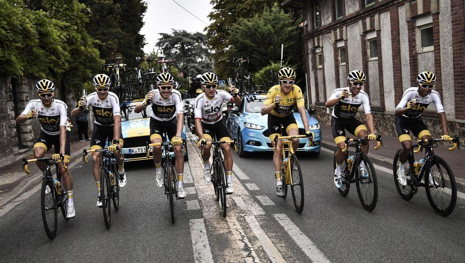 Team Sky bei der Abschlussetappe der Tour de France im Juli 2018