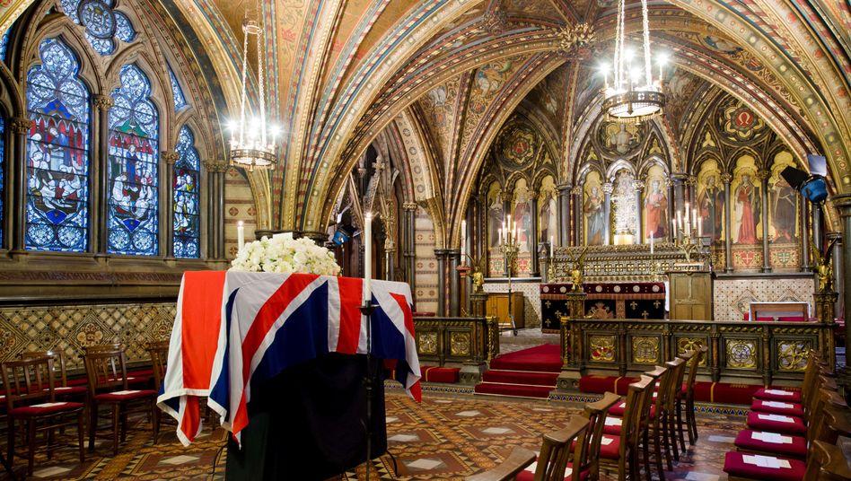 """Thatchers Sarg in der Kapelle St. Mary: Trauerfeier für die """"Eiserne Lady"""""""