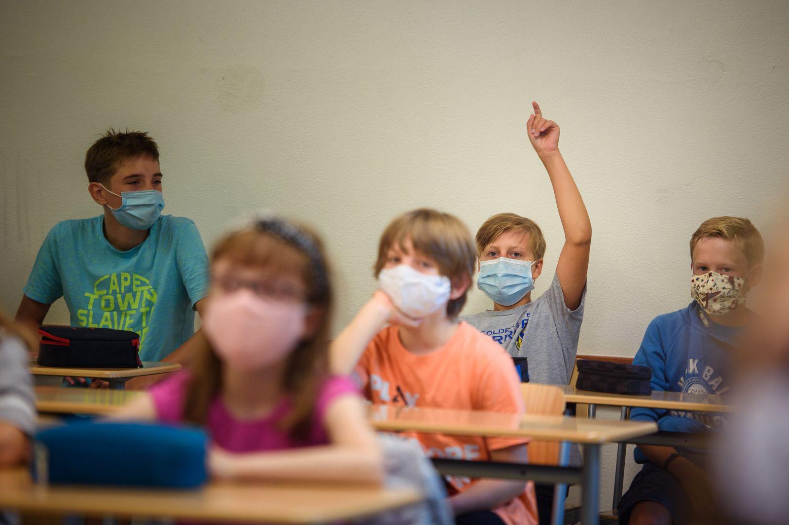 Unterrichtsstart mit Maske
