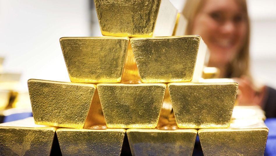 Goldbarren in einem Tresor der Deutschen Börse (Archivfoto)