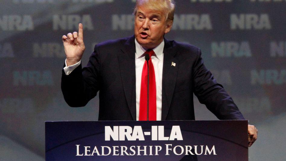 Der damalige Präsidentschaftskandidat Trump als Redner bei NRA-Kongress