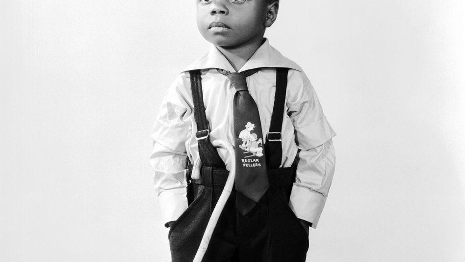 """Kinderdarsteller Billie Thomas als """"Buckwheat"""" auf einem Werbefoto für """"Die kleinen Strolche"""""""