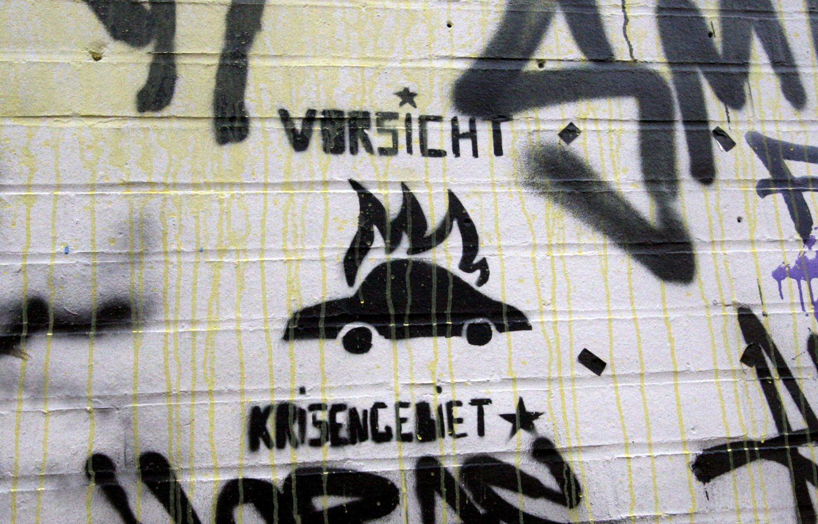 NICHT VERWENDEN Berlin / Brennender PKW #1