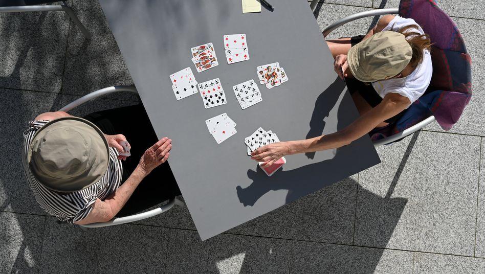 Kartenspiel: Importzölle für verschiedene Kleinteile