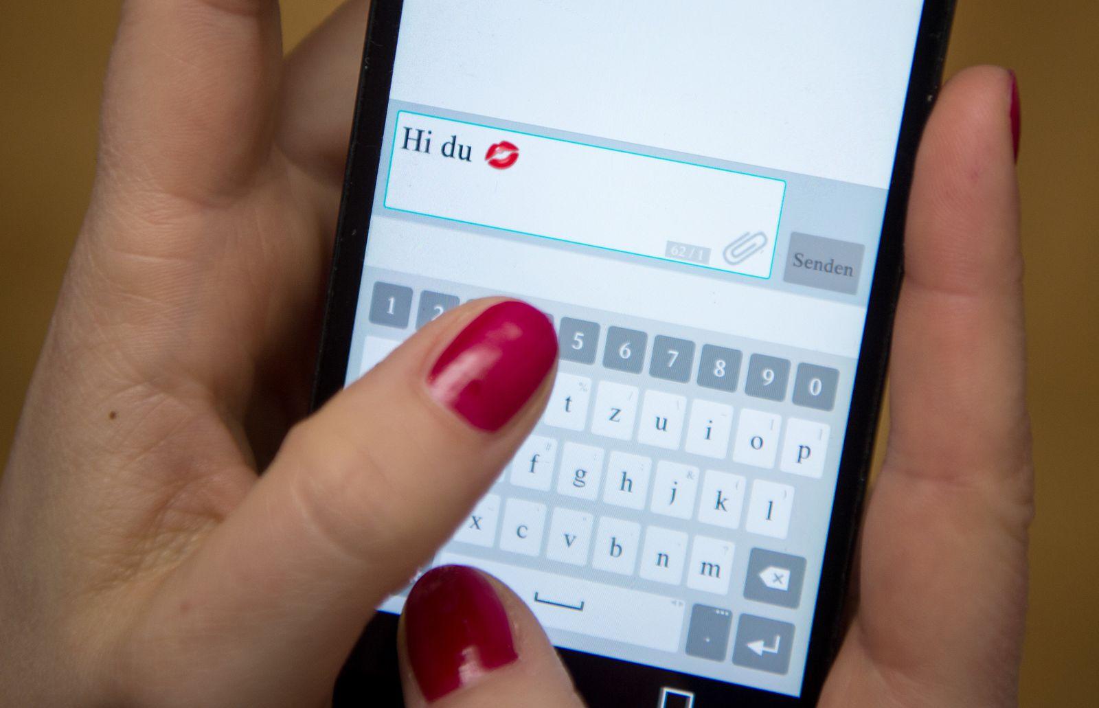 SPERRFRIST 8. AUGUST 20:00 UHR/ Online-Dating