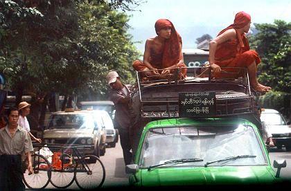 Mönche in Rangun: Westliche Beobachter berichten, dass mehrere Klöster völlig menschenleer seien